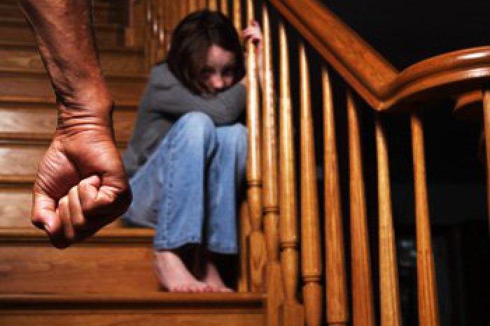 Ilustračný obrázok k článku Hnusné sexuálne chúťky: Bratislavčan zneužíval malého chlapca