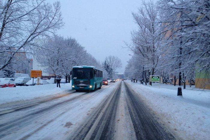 Ilustračný obrázok k článku Na väčšine územia Slovenska môže snežiť: Najmä však v TÝCHTO okresoch