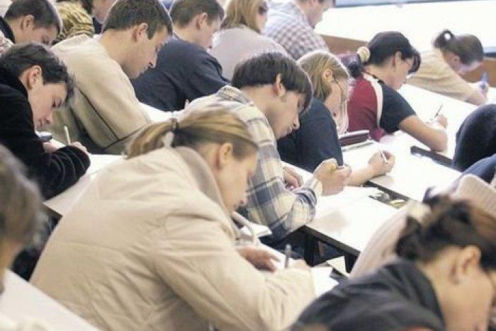 Ilustračný obrázok k článku Jedna z najťažších úloh UMB? Dostať študentov do praxe, pomôcť má nový projekt!