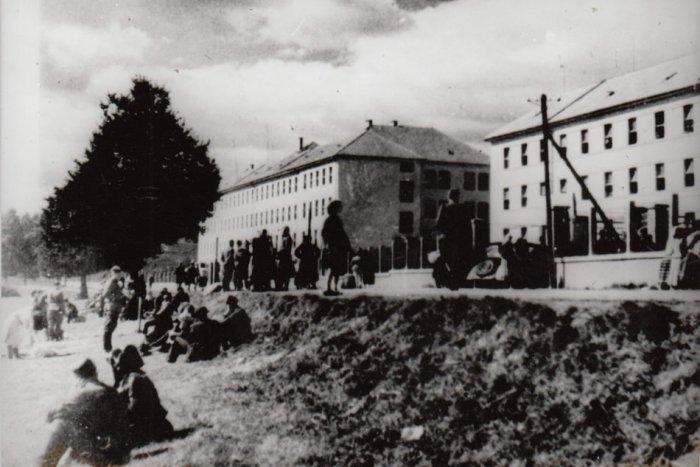 Ilustračný obrázok k článku Povstalecké Brezno: Ani naše mesto nebolo ušetrené od bojových hrôz