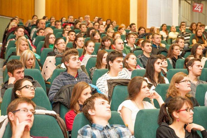 Ilustračný obrázok k článku Na vysokých školách v SR sa vzdeláva 180 000 študentov: Čo ich motivuje k štúdiu?