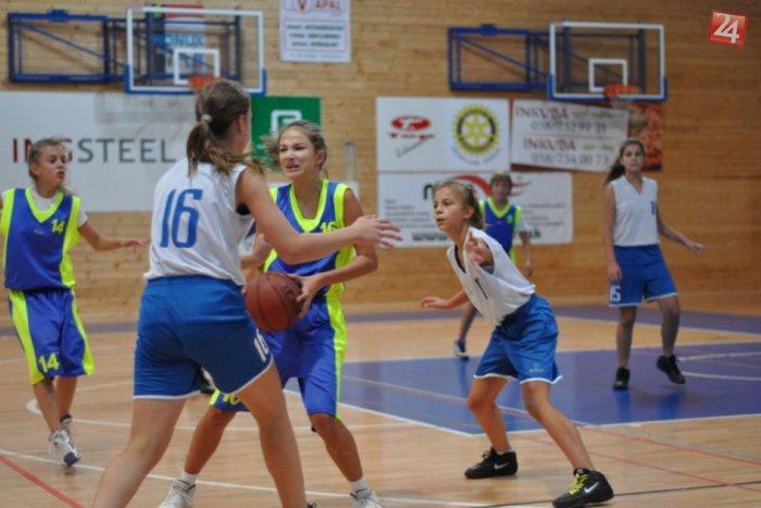 Ilustračný obrázok k článku OBRAZOM: Mladšie žiačky Rožňavy podľahli basketbalistkám z Popradu