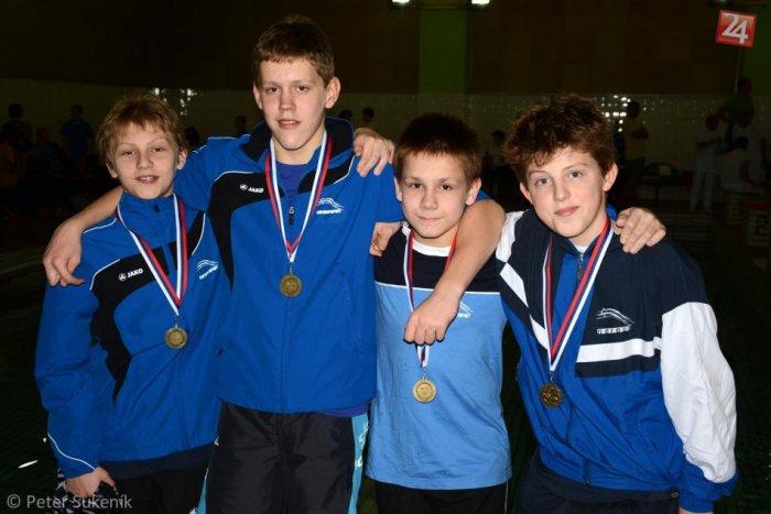 Ilustračný obrázok k článku Mladí plavci spod Dubňa so ziskom 12 medailí: 11-ročný Laluha na zimných majstrovstvách zažiaril