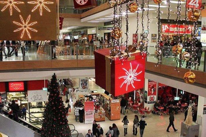 Ilustračný obrázok k článku VEĽKÝ PREHĽAD: Ako budú počas sviatkov otvorené obchody v Michalovciach?
