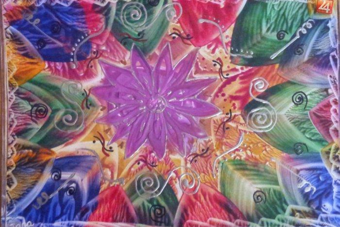 Ilustračný obrázok k článku Umenie, ktoré zvláda naozaj každý. Takto to vyzerá, keď kreslíte horúcim voskom!
