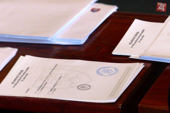 Ilustračný obrázok k článku Do košického parlamentu sa chce dostať 328 uchádzačov: K dispozícii je 41 poslaneckých stoličiek, pozrite ZOZNAM
