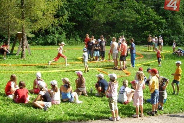 Ilustračný obrázok k článku Letné tábory vo Zvolene a okolí: Mamičky a oteckovia, vyberajte z pestrej ponuky...