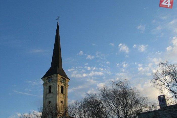 Ilustračný obrázok k článku Na dominantu Zámkov prispela aj maďarská vláda: Kedy bude rekonštrukcia kostola hotová?