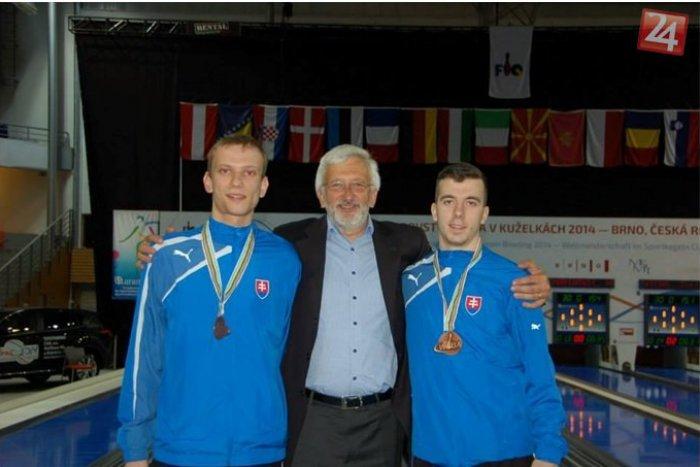Ilustračný obrázok k článku Železiarski kolkári zbierali medaily: Čech majstrom sveta v šprinte mužov, Kuna a Kozák bronzoví v družstvách