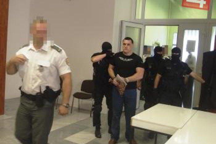 Ilustračný obrázok k článku Karol M. odmieta tvrdenia banskobystrického bossa: Mikuláš Černák sa podľa neho stáva profesionálnym svedkom