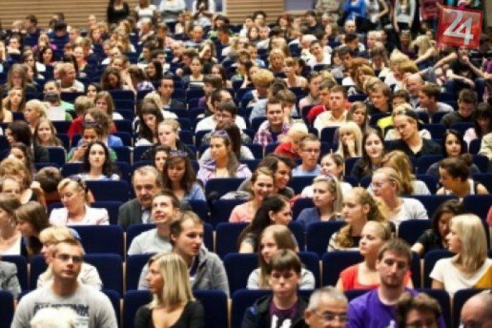 Ilustračný obrázok k článku Pre firmy je problémom pri zamestnávaní študentov dĺžka praxe počas štúdia