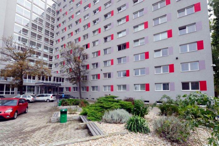 Ilustračný obrázok k článku Kam s vysokoškolákmi? Internáty v Bratislave sú plne obsadené. Voľné miesta nemajú ani súkromné študentské domovy