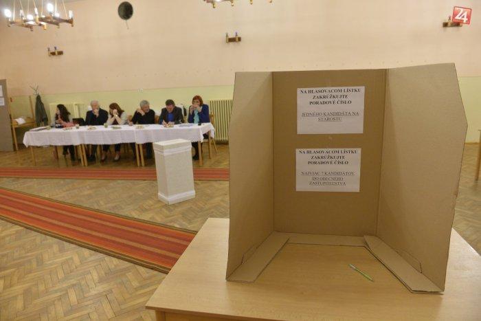 Ilustračný obrázok k článku Voľby v Moravciach sú zatiaľ bezproblémové: Všetky volebné miestnosti otvorili načas
