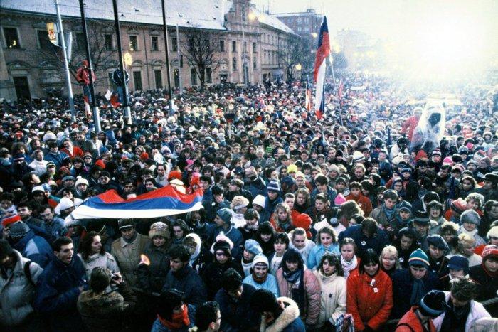Ilustračný obrázok k článku Oslavy bývajú nebezpečné, alebo 17. november 1989 v zrkadle