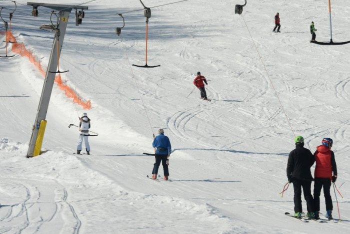 Ilustračný obrázok k článku Tále už zasnežujú: Na Balogu sa bude po novom lyžovať aj večer