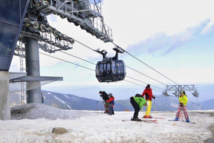 Ilustračný obrázok k článku Začiatok lyžiarskej sezóny pod Chopkom: Pozrite, čo nás čaká prvý deň!