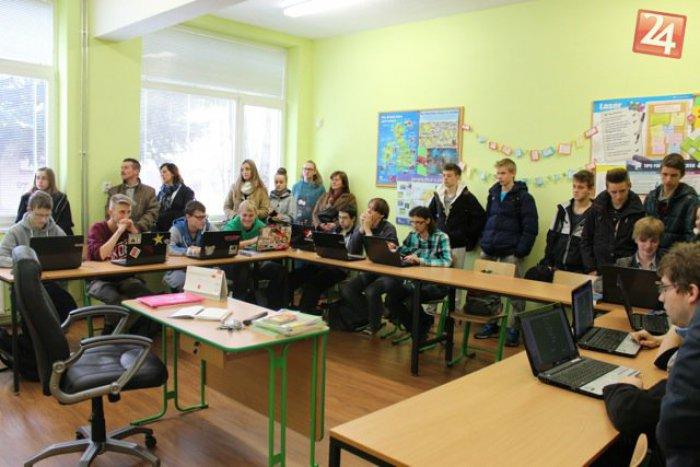 Ilustračný obrázok k článku Deň otvorených dverí na Tatranskej akadémii: Žiakov lákali jedinečné stredoškolské predmety