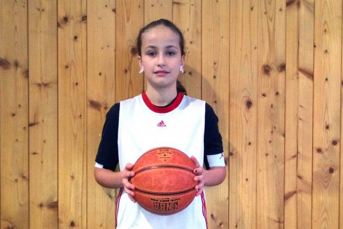 Ilustračný obrázok k článku Jediná baba v žiarskom basketbalovom tíme: S chalanmi sa viem aj pohádať, hovorí Emka (10)