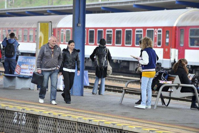 Ilustračný obrázok k článku Pripravte sa na obmedzenia na železnici: Medzi Novými Zámkami a Zvolenom nepôjdu vlaky