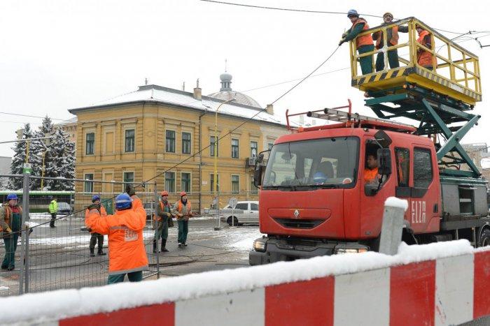 Ilustračný obrázok k článku Dopravné komplikácie v centre Košíc: Rekonštrukcia električkovej trate preveruje trpezlivosť vodičov!