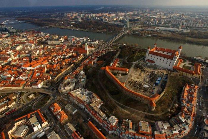 Ilustračný obrázok k článku Spoznajte Bratislavu a jej okolie. Unikátne miesta vám pomôže nájsť nová mobilná aplikácia