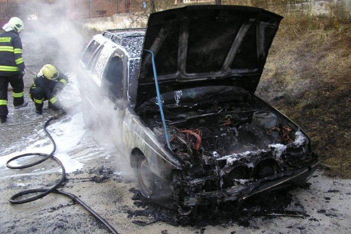 Ilustračný obrázok k článku Hrôza na ceste: Auto po zrážke s kamiónom začalo horieť, nešťastie dopadlo tragicky
