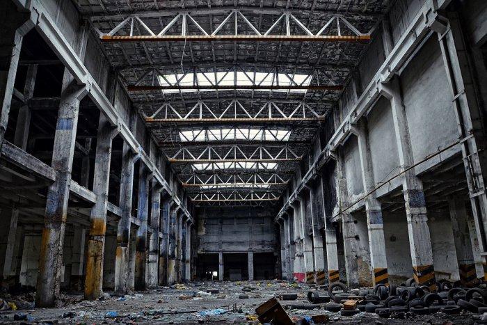 Ilustračný obrázok k článku ROZHOVOR: Opustená budova a strašidelné ticho. Pre niekoho hororová predstava, no pre urbexerov hotový raj