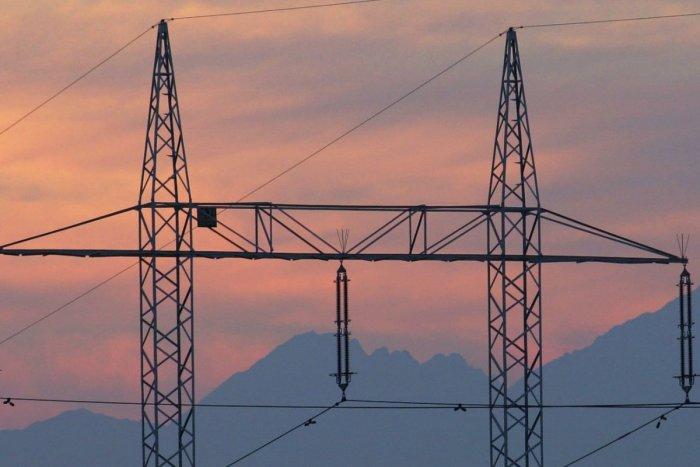 Ilustračný obrázok k článku V Žilinskom okrese sa chystajú odstávky elektriny: PREHĽAD komu a kedy nepôjde prúd