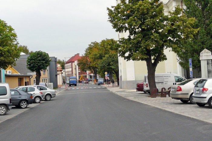 Ilustračný obrázok k článku Problematické zóny v Lučenci: Obyvatelia zasypali mladých architektov nápadmi!