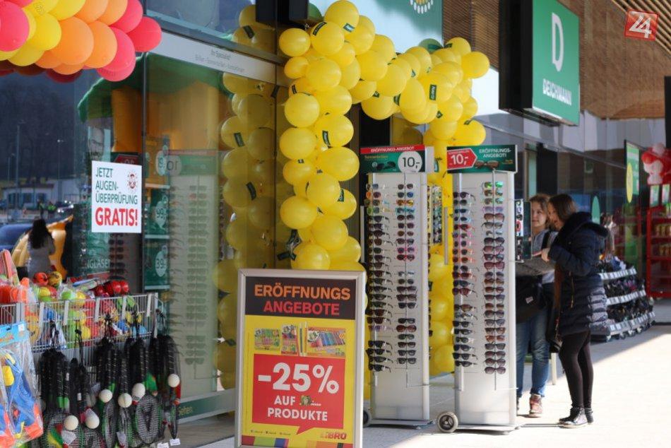 Ilustračný obrázok k článku Otvorenie Galérie Danubia: Nové obchody, veľké zľavy a najmä veľa Bratislavčanov. Kde sa oplatí nakupovať?