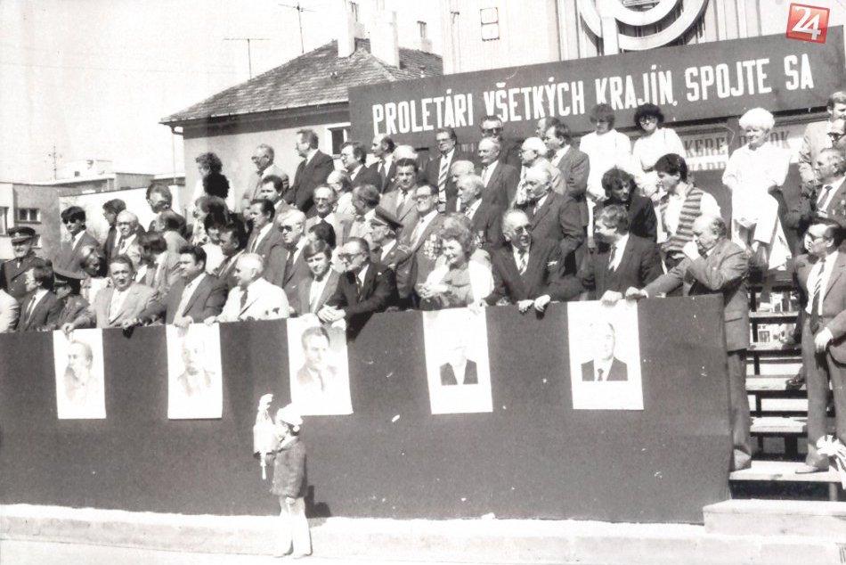 Ilustračný obrázok k článku Takto vyzerali prvomájové oslavné sprievody v Šali: Sledujte dobové FOTO