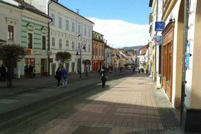 Ilustračný obrázok k článku Viete, ako sa správať na pešej zóne v Bystrici? Takto ÁNO a takto NIE