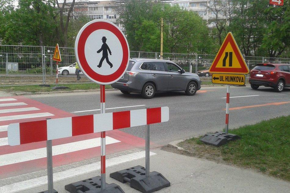 Ilustračný obrázok k článku Košičania už strácajú nervy: Nemáme nič iné na práci, len pol dňa presedieť v aute! FOTO a VIDEO