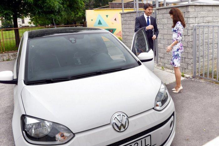 Ilustračný obrázok k článku Jediné krízové centrum, kde môžu byť rodiny spolu, dostalo auto od primátora