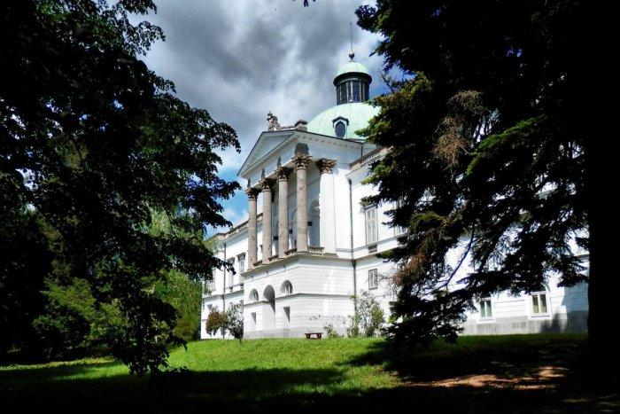 Ilustračný obrázok k článku Unikátne svedectvo z Topoľčianskeho zámku spred 150 rokov: Aha, čo zaznamenalo dobové sčítanie!