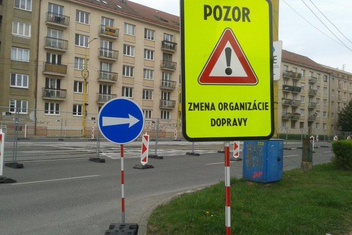 Ilustračný obrázok k článku Jazdiť v Košiciach je teraz viac ako umenie: Nad VIDEOM čitateľky dumajú aj policajti!