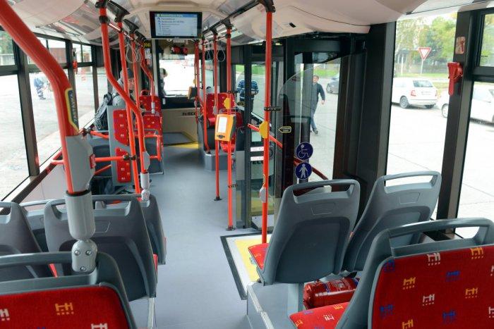 """Ilustračný obrázok k článku """"Idem autobusom prvýkrát a nevedel som, že mám mať lístok."""" Prečítajte si najoriginálnejšie výhovorky čiernych pasažierov"""