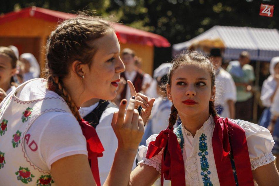 Ilustračný obrázok k článku Obec v Humenskom okrese ožije folklórom: Na ihrisku sa uskutoční festival