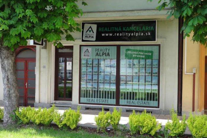 Ilustračný obrázok k článku Začínali ako malá rodinná firma, dnes ponúkajú takmer 1500 nehnuteľností: Reality Alpia už aj v Poprade