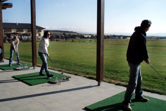 Ilustračný obrázok k článku Reakcie Brezňanov na zámer vybudovať golfové odpalisko: Zbytočnosť, chceme radšej kúpalisko!