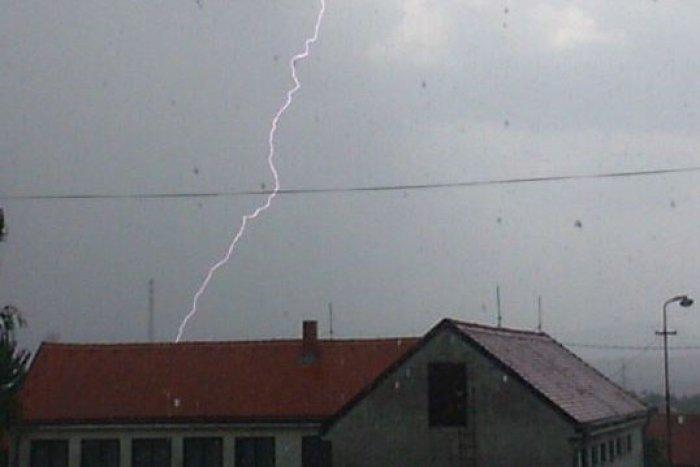 Ilustračný obrázok k článku Šimon sa môže pochváliť veľkým fotoúlovkom: Počas búrky zachytil blesk v plnej paráde, pozrite si to!