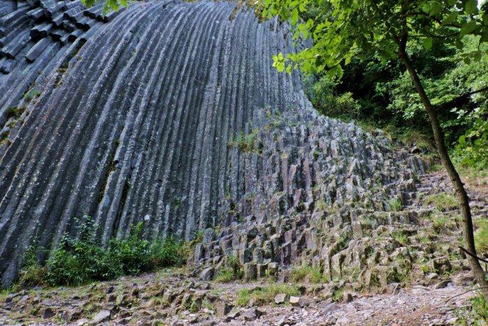 Ilustračný obrázok k článku Keď príroda prekvapuje: Prírodné zaujímavosti z obcí pri Lučenci, o ktorých vie málokto