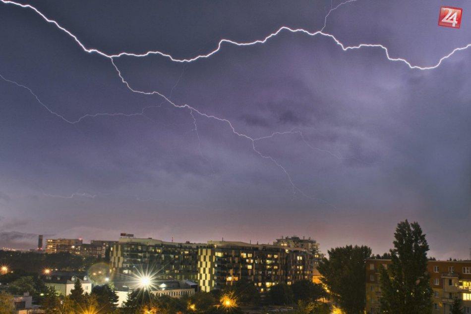 Ilustračný obrázok k článku Varovanie pred výčinmi počasia. Meteorológovia vydali výstrahu pre Revúcky okres