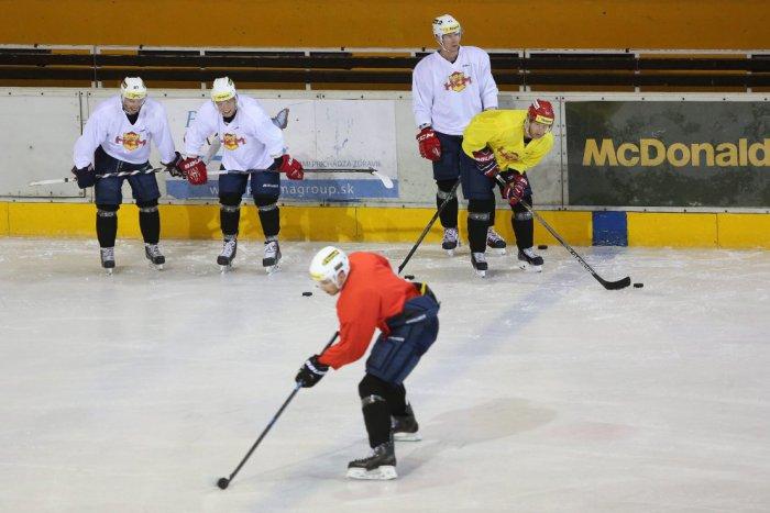 Ilustračný obrázok k článku Mišo (15) vstúpil na ľad a prepísal históriu najvyššej súťaže: Tromfol aj Gáboríka!