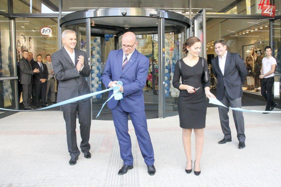 Ilustračný obrázok k článku Nové nákupné centrum v Poprade už otvorilo brány: Pozrite si prvé zábery a aj, aké obchody v ňom nájdete