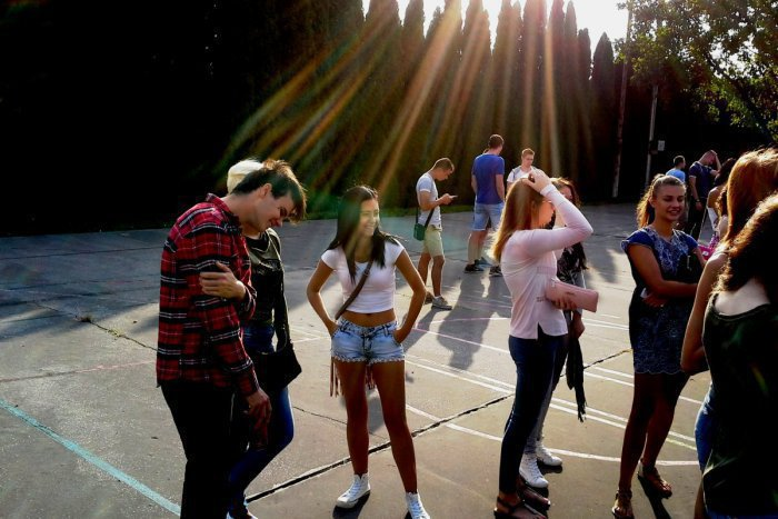 Ilustračný obrázok k článku Topoľčanci, rozumiete vôbec týmto hláškam? 15 slangových výrazov mladých v našom meste