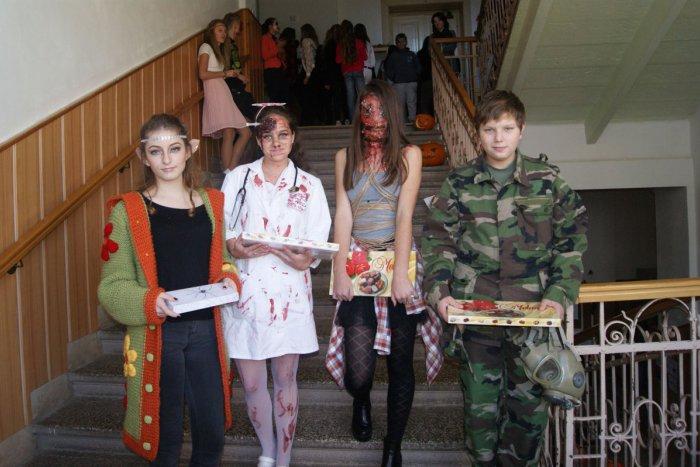 Ilustračný obrázok k článku FOTO: Strašidlá na rožňavskom gymnáziu, študenti si užili deň plný zábavy