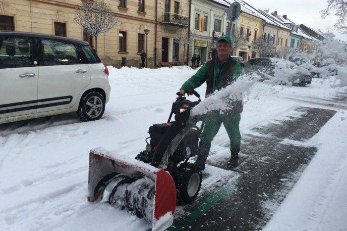 Ilustračný obrázok k článku Perinbaba sa vracia, Martin varujú: Až takéto sneženie u nás treba očakávať!