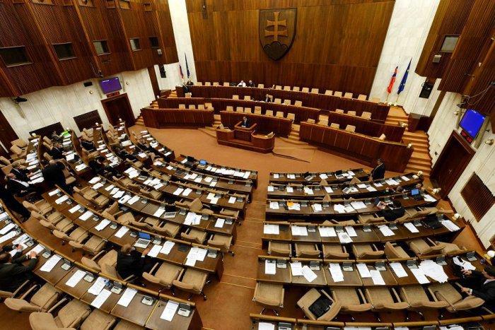 Ilustračný obrázok k článku O parlamentnú stoličku zabojovali aj Považskobystričania: Ako dopadli vo voľbách?