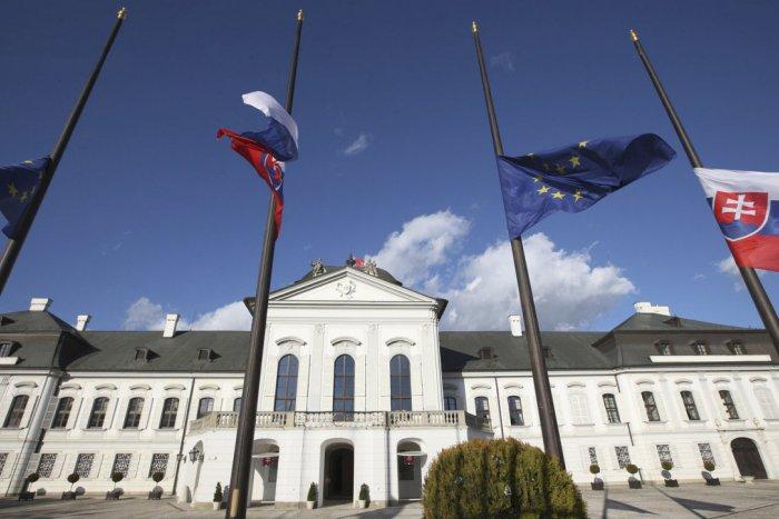 Ilustračný obrázok k článku Výsledky najnovšieho prieskumu: Tretina Slovákov by volila za prezidentku ženu